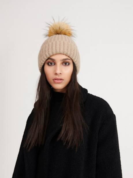 Damska czapka na zimę