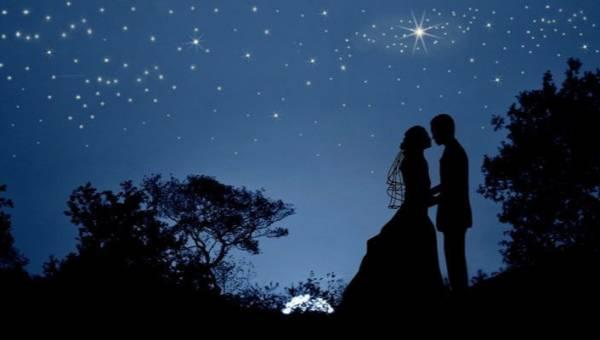 Moda ślubna 2020 obrała na swój największy trend motyw gwiazd. Sprawdź, gdzie zamigoczą ślubne gwiazdki!