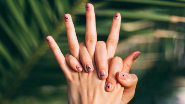 Krótkie paznokcie – ponad 50 pomysłów na modne wzorki