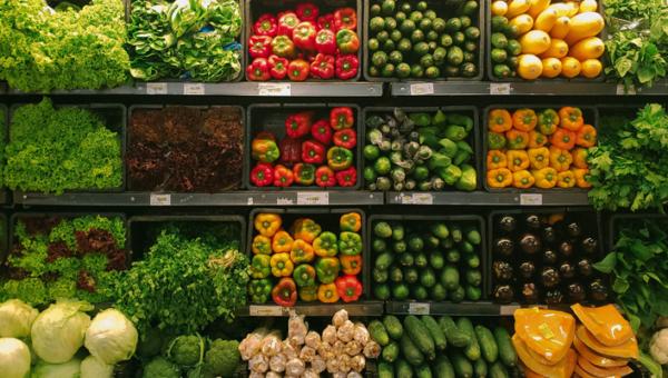 Sklep z żywnością ekologiczną – czy warto go odwiedzać i gdzie znaleźć najlepszy?