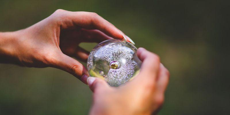 kryształowe paznokcie