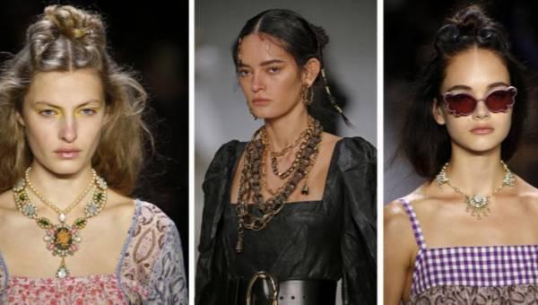 Dekolt karo będzie hitem 2020 roku. Jak nosić go w modnym i nowoczesnym stylu?