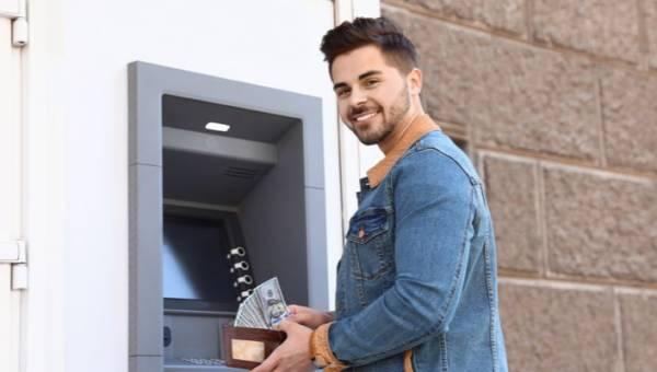 TOP 3 funkcjonalności nowoczesnego bankowego konta dla studenta!