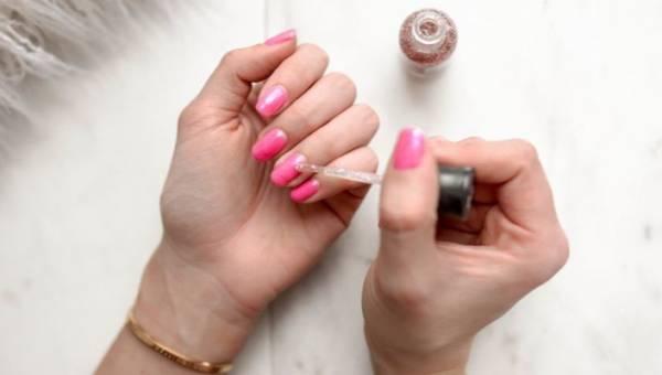 Manicure gwiazd – styczniowe inspiracje od popularnych celebrytek