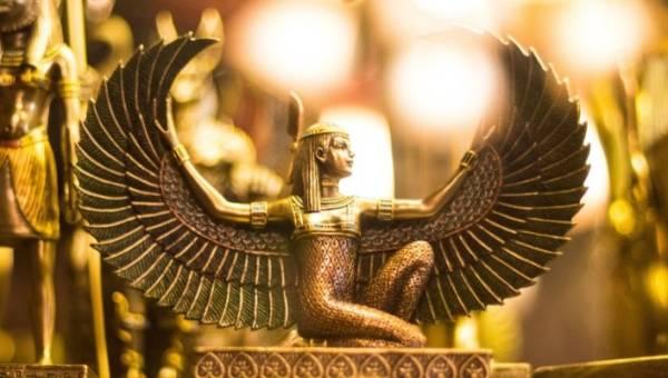 Sennik egipski – dowiedz się jak starożytni Egipcjanie interpretowali najczęstsze symbole przewijające się w naszych snach