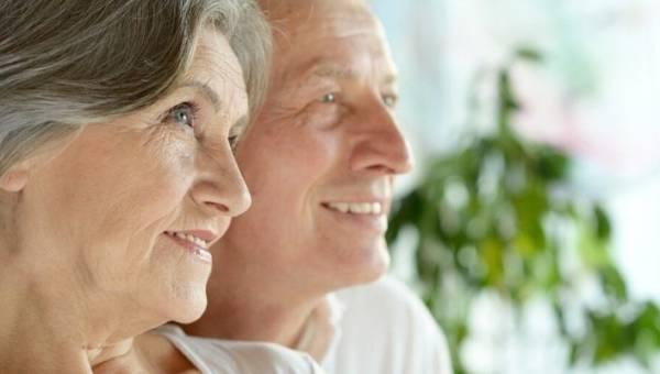 Życzenia dla babci i dziadka – kilkanaście pomysłów, by wyrazić swą wdzięczność za codzienną troskę i miłość