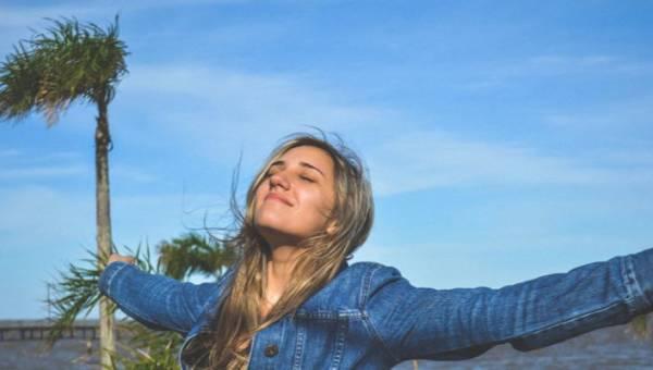 Jak być szczęśliwym? 5 pytań, które warto sobie zadawać każdego dnia