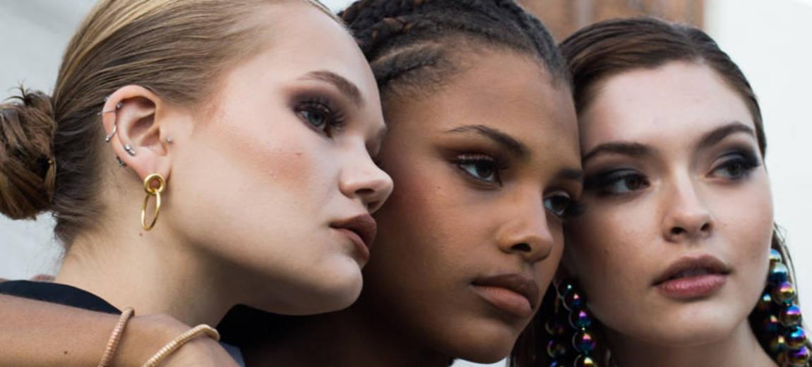 Uliczny styl Paryżanek. Paryski Tydzień Mody jesień zima 2020 2021 w obiektywie Instagrama