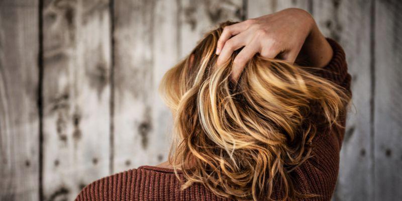 przeproteinowanie włosów