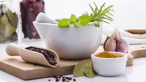 Najskuteczniejsze zioła przeciwwirusowe. 10 propozycji z domowej apteczki, dzięki którym wzmocnisz odporność organizmu