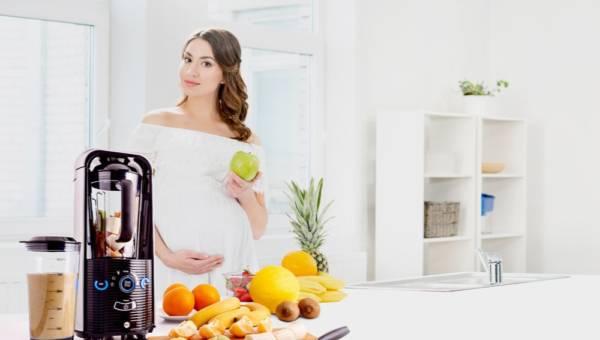 Kochasz owocowe smoothie? Sprawdź dlaczego warto przygotować je w blenderze próżniowym!