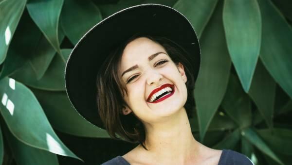 Piękny zdrowy uśmiech, dzięki produktom marki GUM Sunstar rekomendowanym przez stomatologów na całym świecie