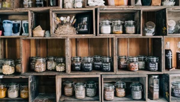 Najbardziej trwałe produkty spożywcze – 10 produktów, które możesz przechowywać przez całe lata