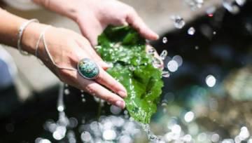 Paznokcie z kroplami – inspirujący manicure nie tylko na deszczowe dni