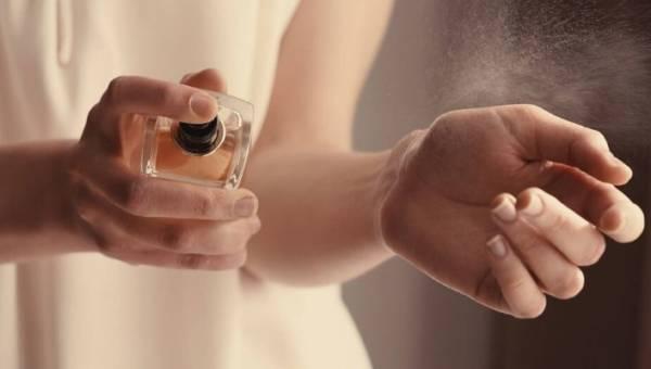 Próbki perfum – dlaczego warto z nich korzystać?