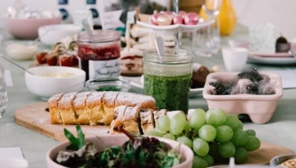 Wielkanoc bez jajek – czyli kuchenna rewolucja na świątecznym stole. Poznaj 8 przepysznych przepisów na bezjajeczne wielkanocne dania