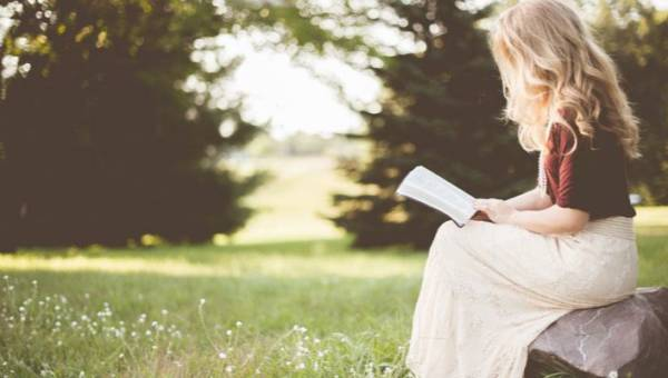 Książki o kobietach na Dzień Kobiet – poznaj niezwykłe i inspirujące kobiece życiorysy