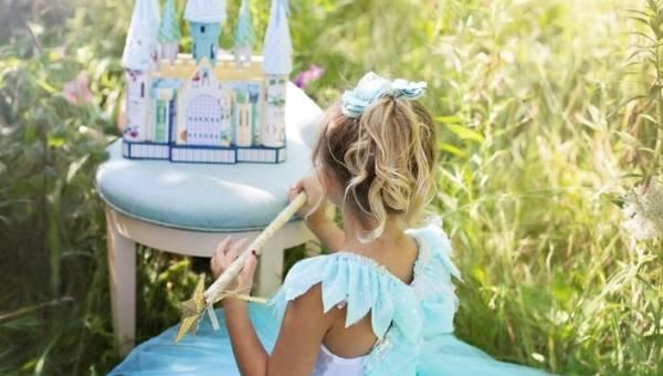 Jak pielęgnować w córce miłość do piękna od najmłodszych lat?