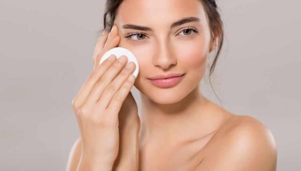 Oczyszczanie twarzy w domu – metody i kosmetyki